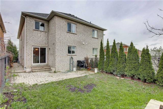 Semi-detached at 682 Napa Valley Ave, Vaughan, Ontario. Image 11