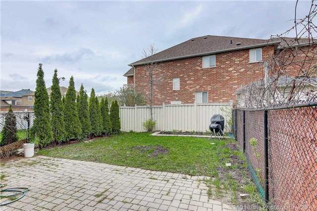 Semi-detached at 682 Napa Valley Ave, Vaughan, Ontario. Image 13