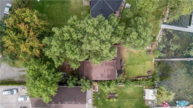 Detached at 419 Limerick St, Innisfil, Ontario. Image 2