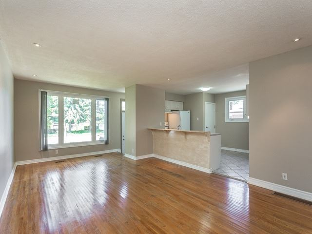 Semi-detached at 236 Demaine Cres, Richmond Hill, Ontario. Image 13