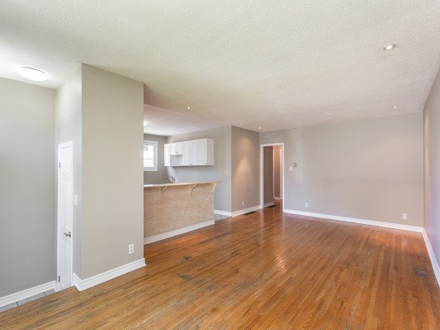 Semi-detached at 236 Demaine Cres, Richmond Hill, Ontario. Image 14