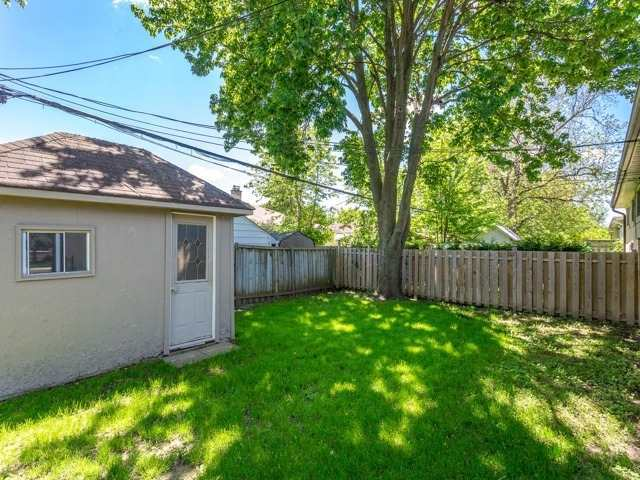 Semi-detached at 236 Demaine Cres, Richmond Hill, Ontario. Image 10