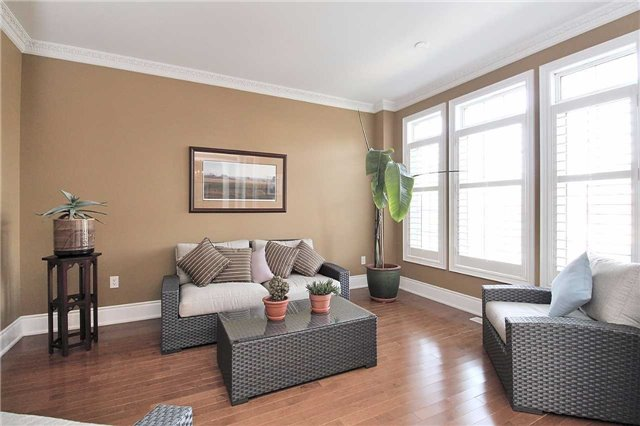 Detached at 1009 Nellie Little Cres, Newmarket, Ontario. Image 14