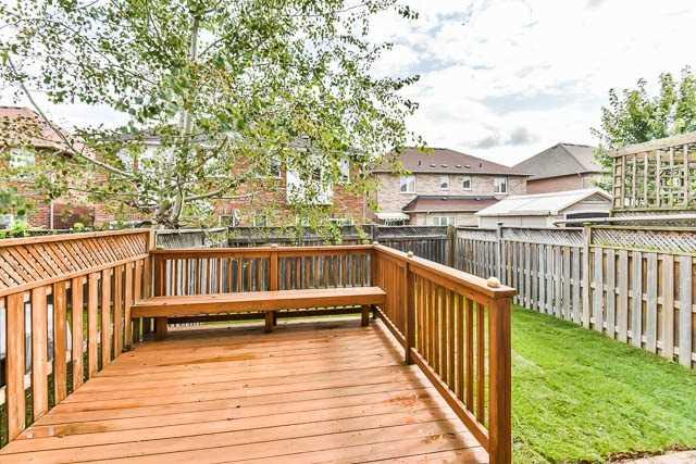 Link at 35 Todman Lane, Markham, Ontario. Image 10