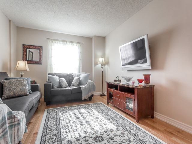 Link at 175 Stather Cres, Markham, Ontario. Image 12