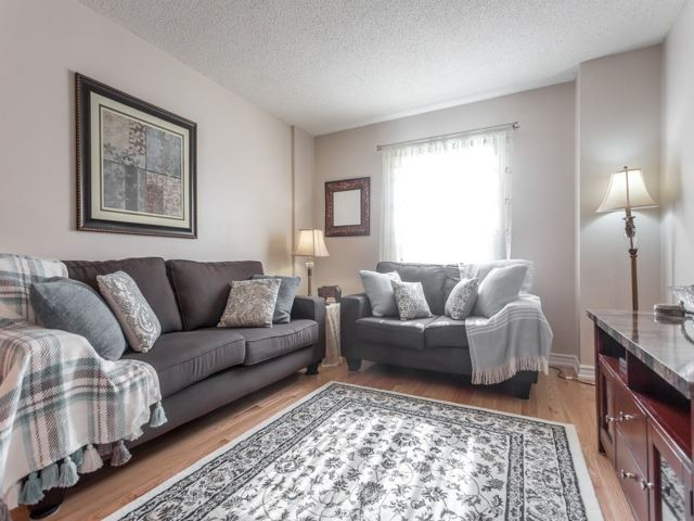 Link at 175 Stather Cres, Markham, Ontario. Image 14