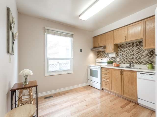 Link at 175 Stather Cres, Markham, Ontario. Image 18