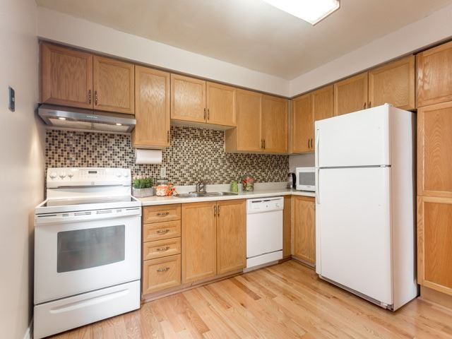 Link at 175 Stather Cres, Markham, Ontario. Image 19