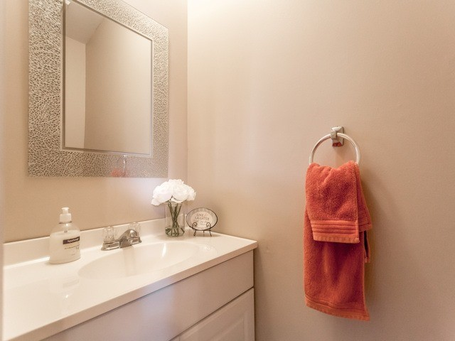 Link at 175 Stather Cres, Markham, Ontario. Image 20