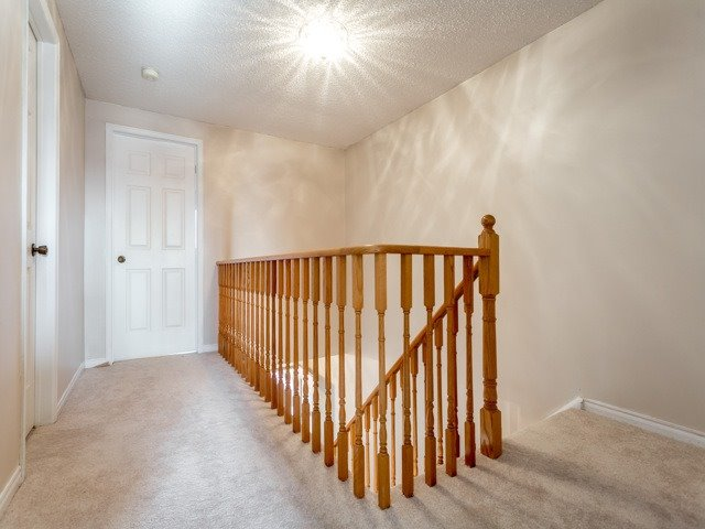 Link at 175 Stather Cres, Markham, Ontario. Image 2