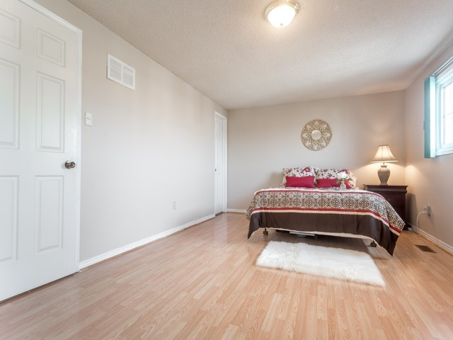 Link at 175 Stather Cres, Markham, Ontario. Image 4
