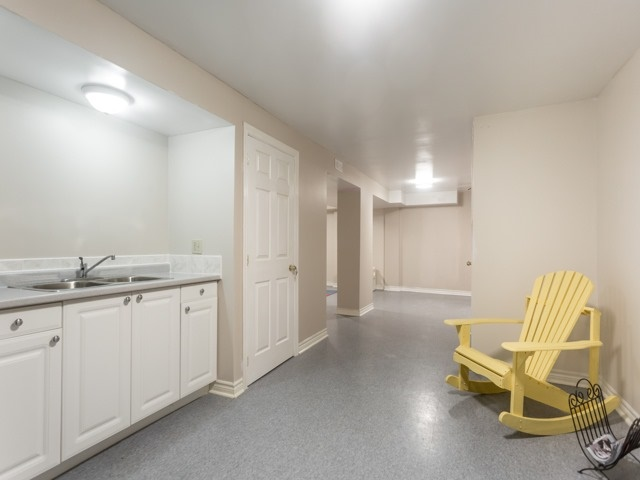 Link at 175 Stather Cres, Markham, Ontario. Image 10