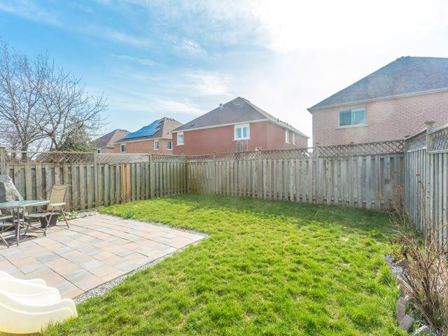 Link at 175 Stather Cres, Markham, Ontario. Image 11