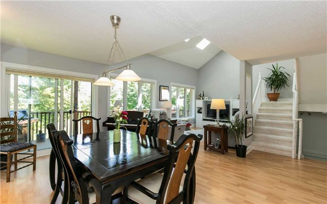Condo Detached at 52 Riverview Rd, New Tecumseth, Ontario. Image 2