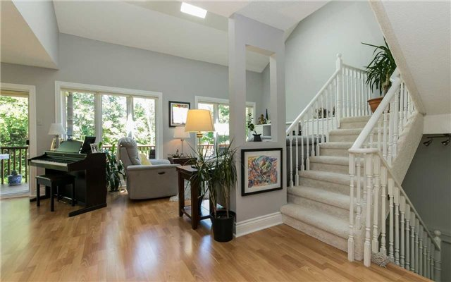 Condo Detached at 52 Riverview Rd, New Tecumseth, Ontario. Image 3