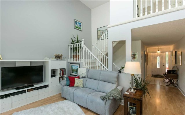 Condo Detached at 52 Riverview Rd, New Tecumseth, Ontario. Image 4