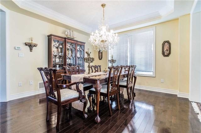 Detached at 5 Dietzman Crt, Richmond Hill, Ontario. Image 11