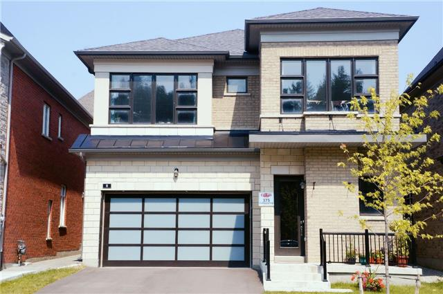 Detached at 8 Fitzmaurice Dr, Vaughan, Ontario. Image 1