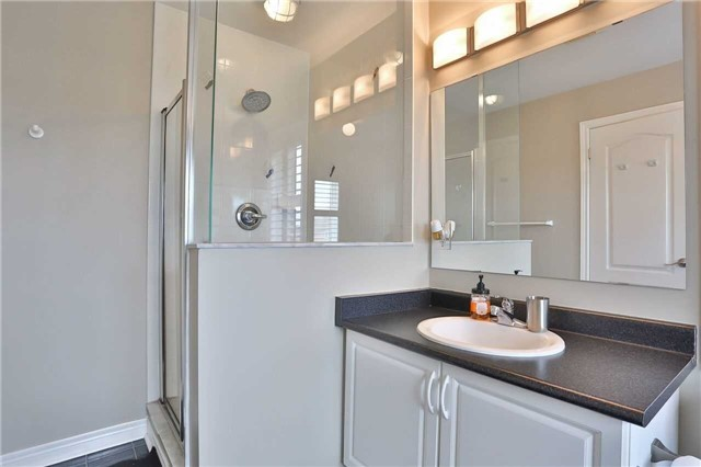 Townhouse at 8 Townwood Dr, Unit 71, Richmond Hill, Ontario. Image 6