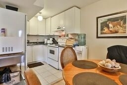 Townhouse at 8 Townwood Dr, Unit 71, Richmond Hill, Ontario. Image 10