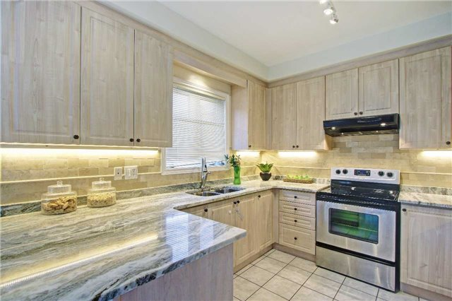 Detached at 71 Boswell Rd, Markham, Ontario. Image 19