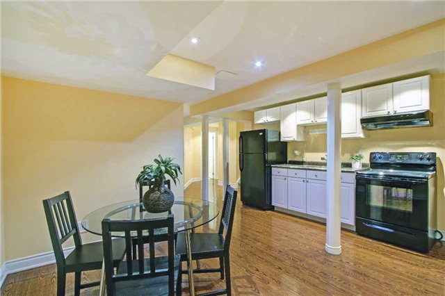 Detached at 71 Boswell Rd, Markham, Ontario. Image 11