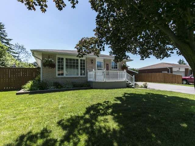 Detached at 6 Glendale Ave, Essa, Ontario. Image 1