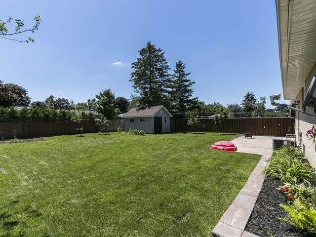 Detached at 6 Glendale Ave, Essa, Ontario. Image 16