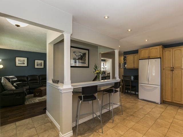 Detached at 6 Glendale Ave, Essa, Ontario. Image 2