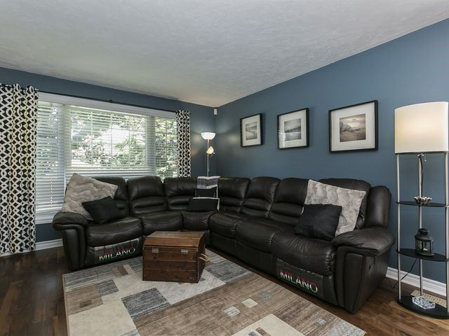 Detached at 6 Glendale Ave, Essa, Ontario. Image 3