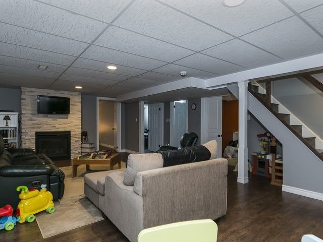 Detached at 6 Glendale Ave, Essa, Ontario. Image 10