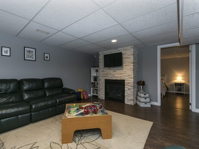 Detached at 6 Glendale Ave, Essa, Ontario. Image 11