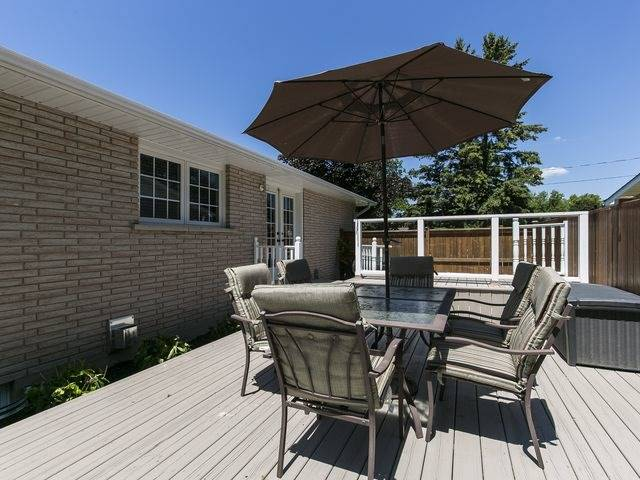 Detached at 6 Glendale Ave, Essa, Ontario. Image 13