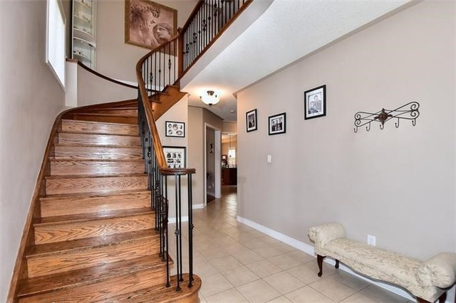 Detached at 49 Calista St, Vaughan, Ontario. Image 14