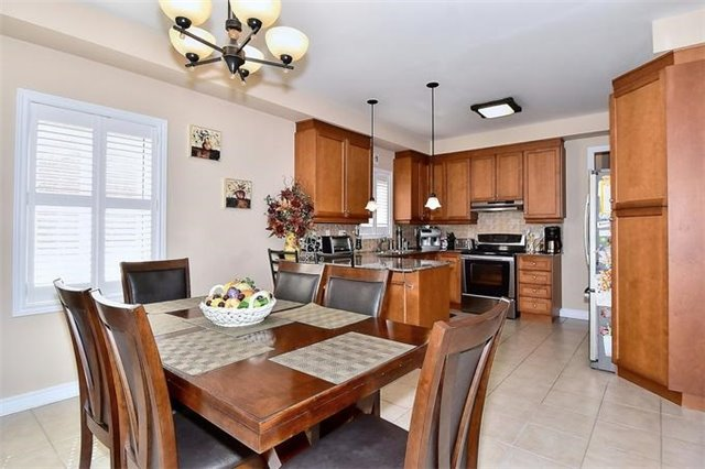 Detached at 49 Calista St, Vaughan, Ontario. Image 15