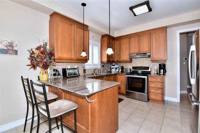 Detached at 49 Calista St, Vaughan, Ontario. Image 16