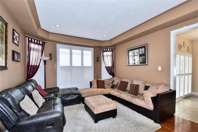 Detached at 49 Calista St, Vaughan, Ontario. Image 18