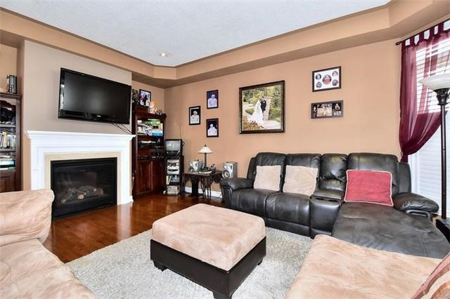 Detached at 49 Calista St, Vaughan, Ontario. Image 19