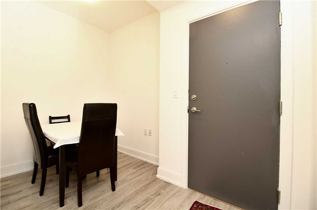 Condo Apartment at 9608 Yonge St, Unit 1603, Richmond Hill, Ontario. Image 12