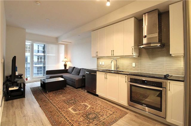 Condo Apartment at 9608 Yonge St, Unit 1603, Richmond Hill, Ontario. Image 13