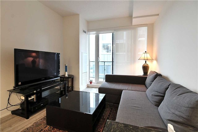 Condo Apartment at 9608 Yonge St, Unit 1603, Richmond Hill, Ontario. Image 17