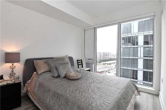 Condo Apartment at 9608 Yonge St, Unit 1603, Richmond Hill, Ontario. Image 7