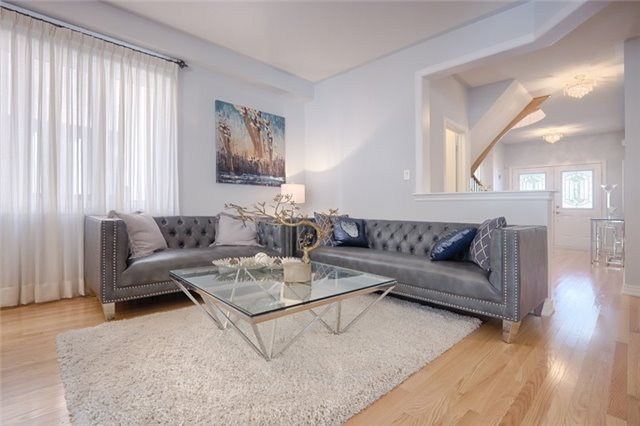 Detached at 72 Staynor Cres, Markham, Ontario. Image 14