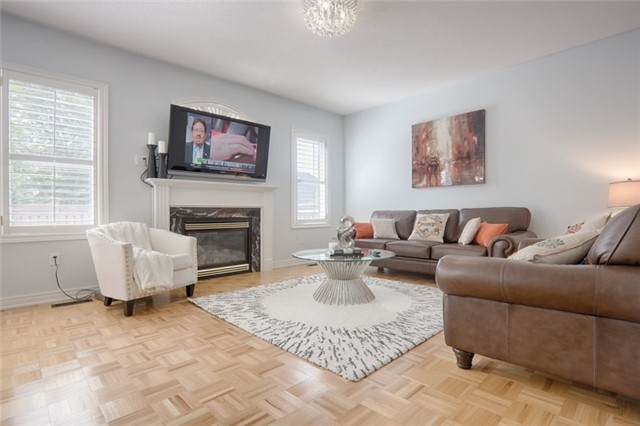 Detached at 72 Staynor Cres, Markham, Ontario. Image 15