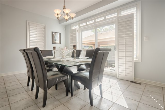 Detached at 72 Staynor Cres, Markham, Ontario. Image 16