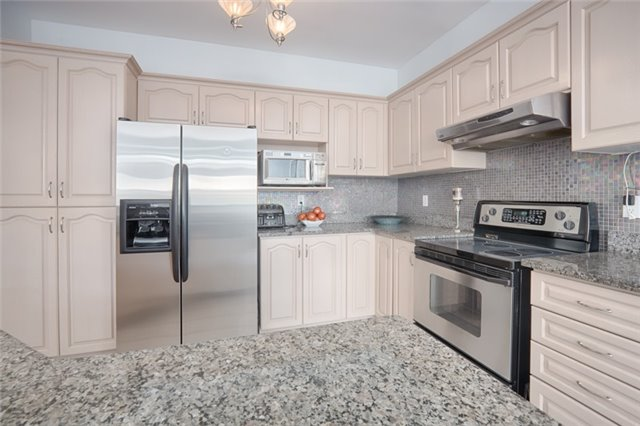 Detached at 72 Staynor Cres, Markham, Ontario. Image 18