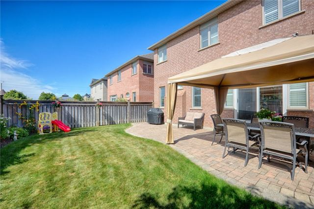 Detached at 72 Staynor Cres, Markham, Ontario. Image 11