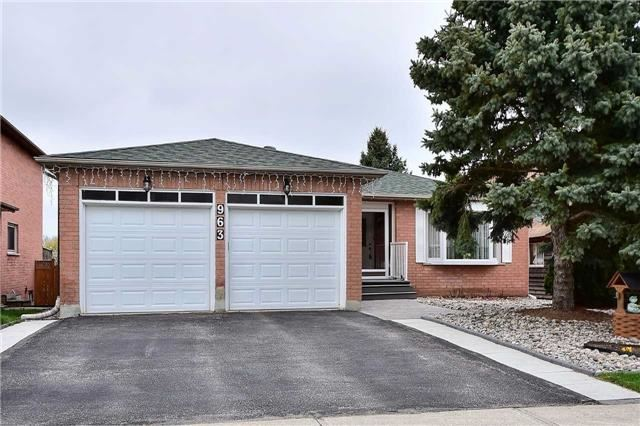 Detached at 963 Leslie Valley Dr, Newmarket, Ontario. Image 1