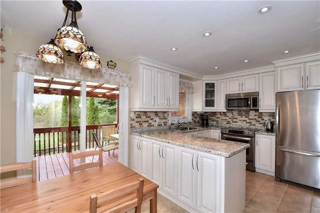 Detached at 963 Leslie Valley Dr, Newmarket, Ontario. Image 13