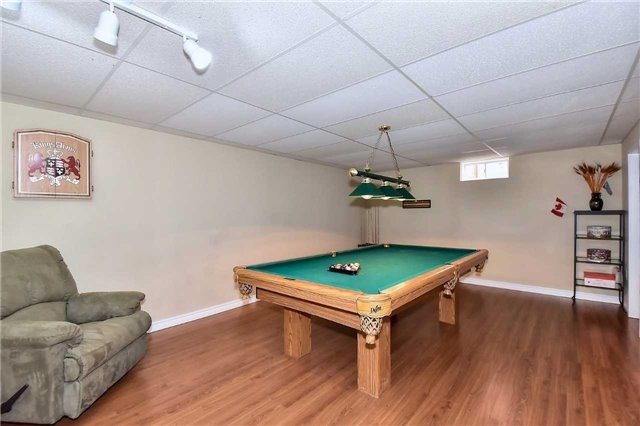 Detached at 963 Leslie Valley Dr, Newmarket, Ontario. Image 4